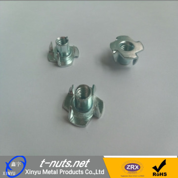 Acero 4 Prong T Nueces