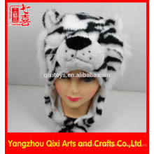Hight qualité en peluche en forme de tête d'animal en peluche blanche en peluche tigre animaux chapeau chapeau d'hiver pour les enfants adultes
