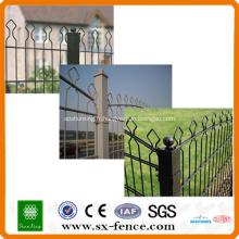 double clôture en treillis métallique