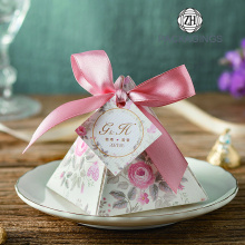 Wholesales delicate pyramidal wedding candy box