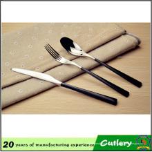 Conjunto de cuchillería de acero inoxidable de precio al por mayor