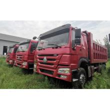 Caminhão basculante HOWO 6X4 10 rodas usado