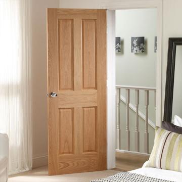 Простые двери спальни из чистого дерева