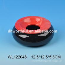 Cinzeiro de cerâmica em forma redonda