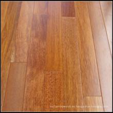 Un piso de madera de Merbau Engineered Grade