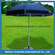 Logo imprimé Utiliser un grand grand parapluie de plage