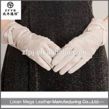 New design fashion low price White Fingerless Leather Gloves With High Quanlity