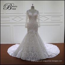 Vestido de noiva de renda com manga comprida
