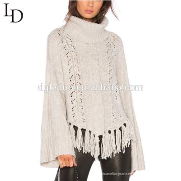 El último jersey blanco del cuello alto del suéter de la borla de la manga de la campana del diseño para las mujeres