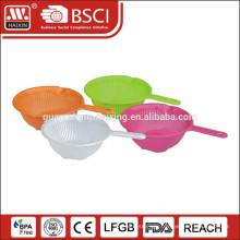 Plastic Sieve Plastic colander with handle