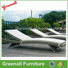 Rattan Chaise Lounge Stuhl