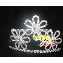 Hochzeitseinladungsdiamantblumenart und weise-Festzugtiara