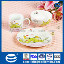 factory outlet 3pcs porcelain dinnerware for kid with cartoon frog decoration
