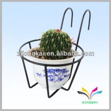 Fuente del jardín exhibición al aire libre del metal que cuelga la cesta de la cesta de la flor para los sostenedores