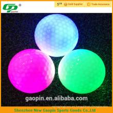 Cheap dos piezas brillan en la bola oscura con varios colores para destellar
