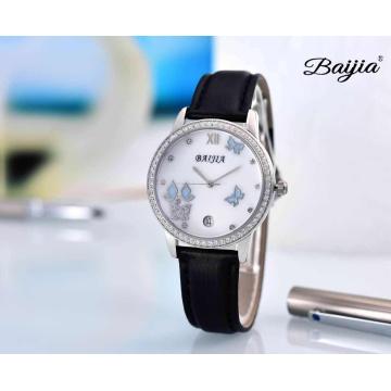 Relógio de pulso relativo à promoção das senhoras da forma do seletor da pérola com faixa de couro