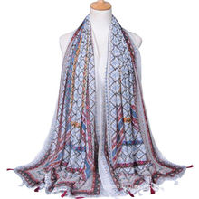 Hot selling fashion cashew printing plain voile tassel shawl scarf