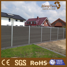 Wooden Fence for House Courtyard