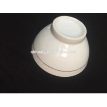 bol en céramique blanche avec un plan d'échantillonnage
