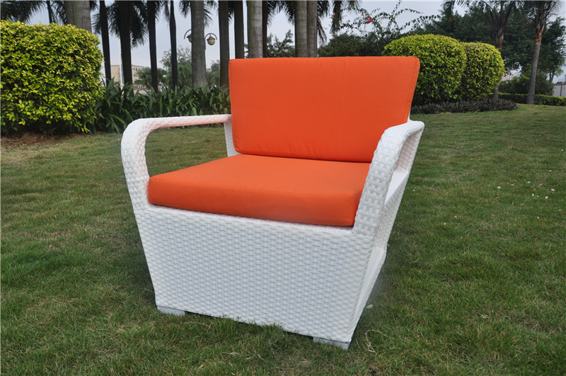 S0159 Wicker Lounge Chair