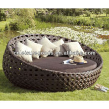 Modern design luxury round rattan daybed