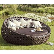 Modern design luxury round rattan daybed