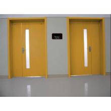 Porta do Centro Médico da Família