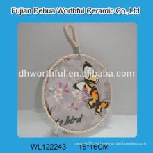 Diseño de mariposa titular de la olla de cerámica con cuerda de elevación blanca