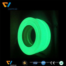 China Alibaba Em Russo Fita Reflexiva Luminescente / Brilho No Filme Reflexivo Escuro
