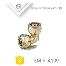 EM-F-A109 Conexión de tubería de conector de compresión de latón con codo igual