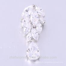 Custom Logo Leaf Shaped White Zircon Beautiful Brooch