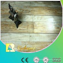Revestimento estratificado V-sulcado carvalho de 12.3mm Mão AC4 raspada