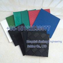 Varias hojas de goma del color con diversas aplicaciones