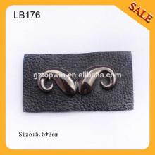 LB176 Etiquette personnalisée en patchwork en cuir jean occidental avec logo moustache en métal personnalisé