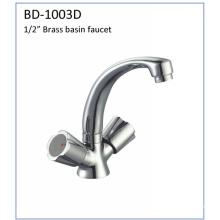 Bd1003D Double Knobs Brass Kitchen Faucet