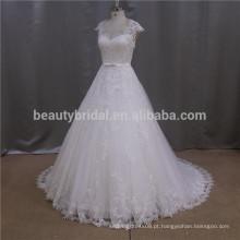 Vestido de noiva de borboleta beaded modificado com borracha