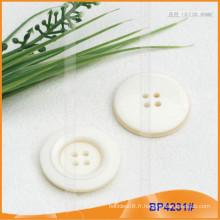 Bouton en polyester / bouton en plastique / bouton en résine pour manteau BP4231