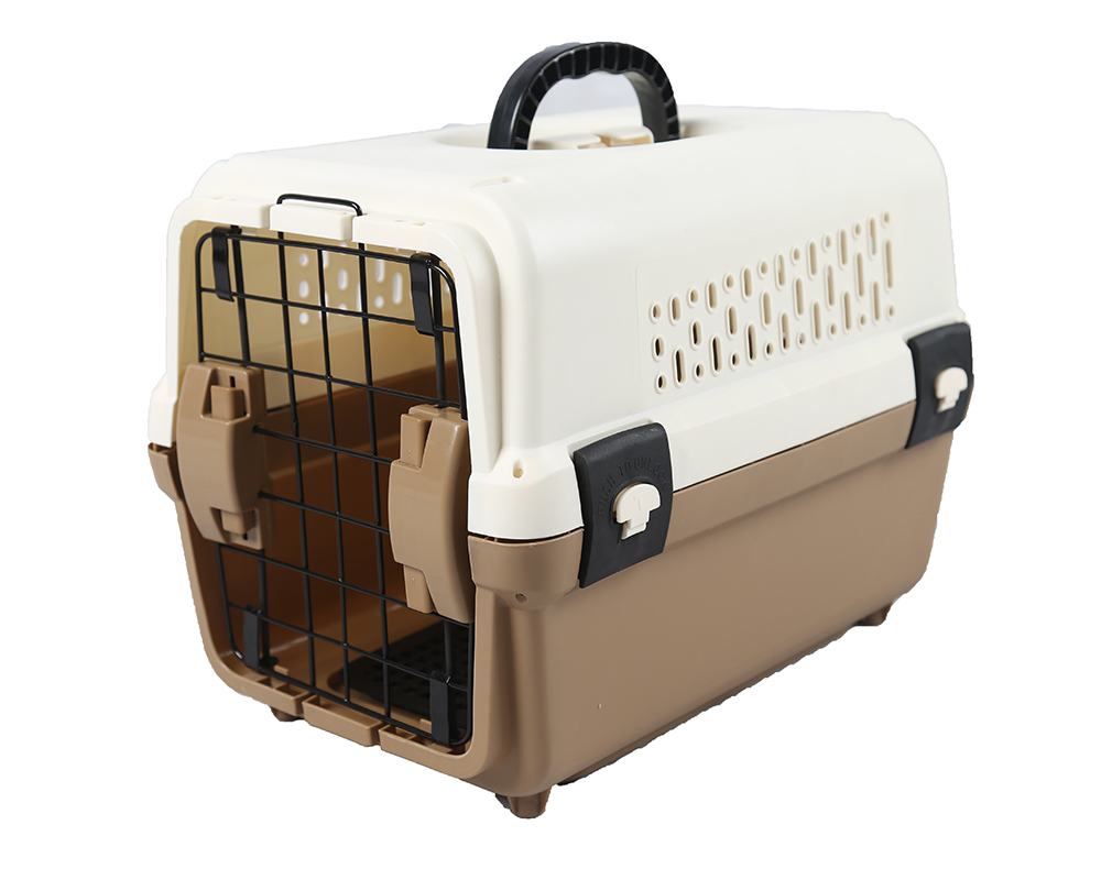 Comfortable Plastic Pet Carrier