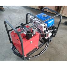 Machine à sertir les tuyaux hydrauliques