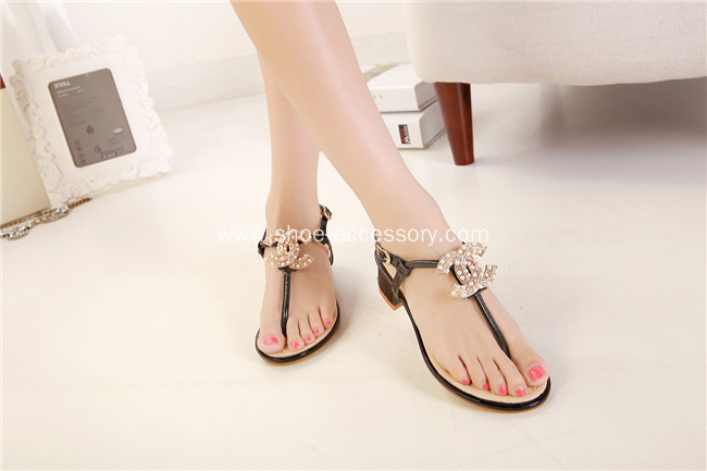Glamorous Metal Shoe Buckle Women`s Charms Ornaments