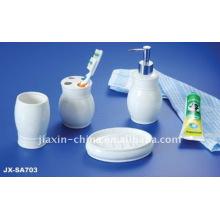 ensemble de salle de bain en porcelaine