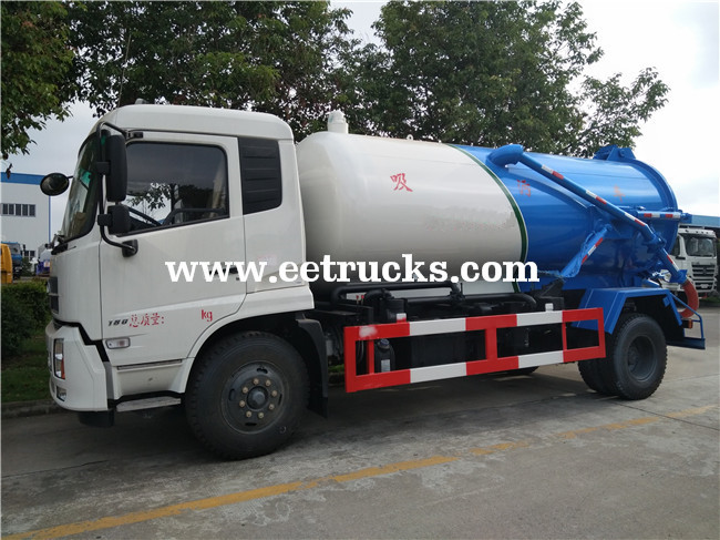 10 CBM Dung Suction Trucks
