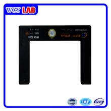 Puerto USB sin pantalla de puertas Sensor fotoeléctrico en laboratorio digital