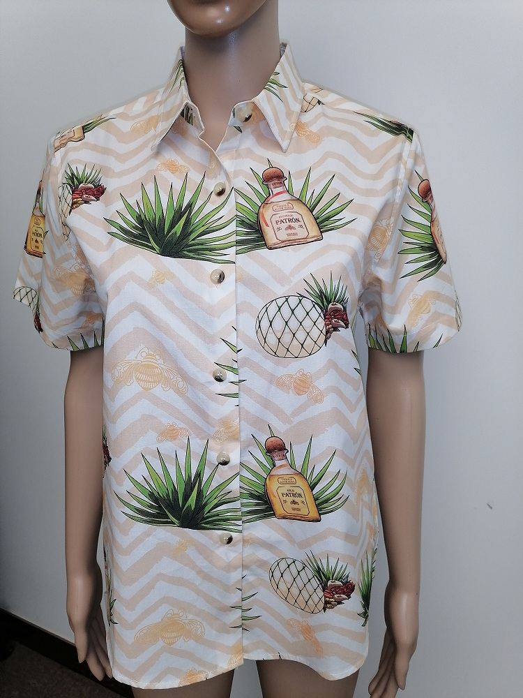 short-sleeves shirt in holiday