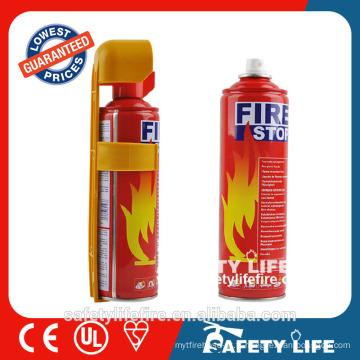 arrêt de feu de voiture / extincteur d'incendie de mousse utilisé / extincteur
