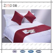 Atacado poliéster Throw Pillow Cover Cheap Hotel Almofada e Bed Runner para venda