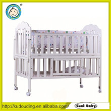 Comfortable baby classic design wooden bed