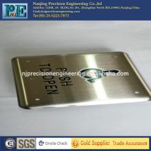 Прецизионная cnc-обработка дверных полос с логотипом, фирменная табличка для завода и машины