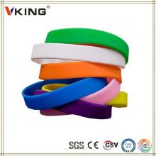 China Pulseiras personalizadas baratos do silicone