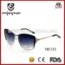Прекрасный дизайн леди фиолетовый цвет металлические солнцезащитные очки опт Alibaba